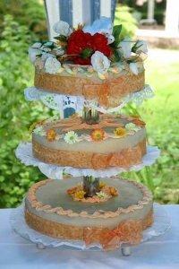 Hochzeittortenständer nehmen Torten auf mehreren Etagen auf
