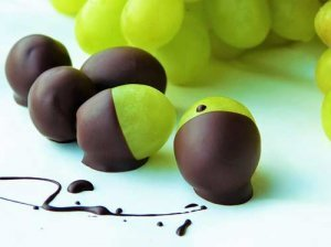 Schokolade und Weintrauben - das perfekte Duo für den Schokobrunnen