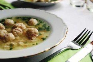 Suppe kochen mit einer Küchenmaschine mit Kochfunktion