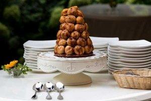Tortenplatten gibt es in vielen verschiedenen Varianten- so findet jede Torte ihre Tortenplatte