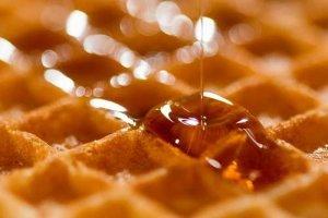 Waffel mit Honig