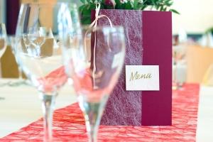 Kochen für Gäste -Tischdeko und Menükarte