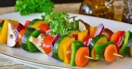 Gemüse Spieße - eine gesunde, leckere und kalorienarme Essensidee