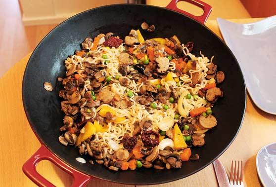 Eine hochwertige Wok-Pfanne ist die Grundlage für ein gelungenes asiatisches Essen